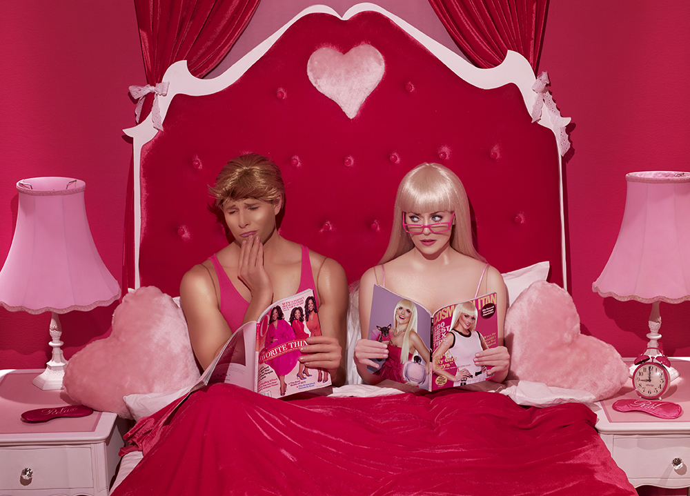 DinaGoldstein_INTHEDOLLHOUSE_BedroomMagazines.jpg
