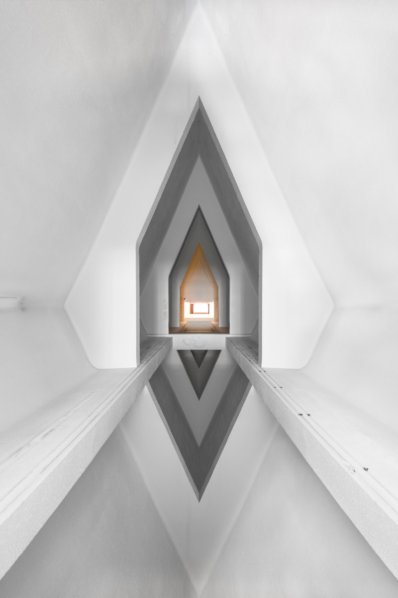 cesar-azcarate-divine-door-180x120-cms.jpg