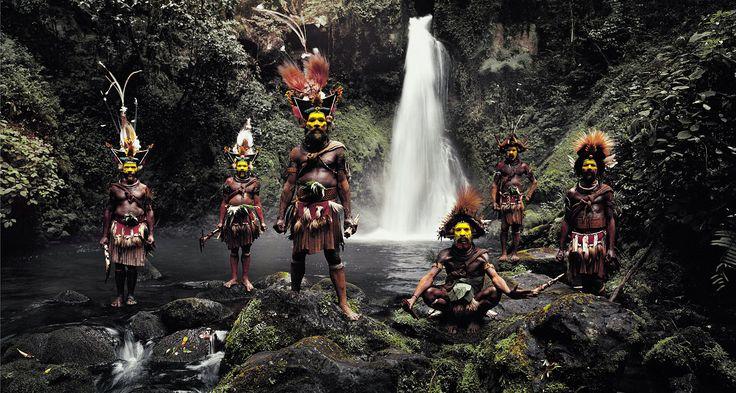 XV 66 Tumbu, Hangu, Peter, Hapiya, Kati, Hengene & Steven. Huli Wigmen, Ambua Falls, Tari Valley, Papua New Guinea 2010