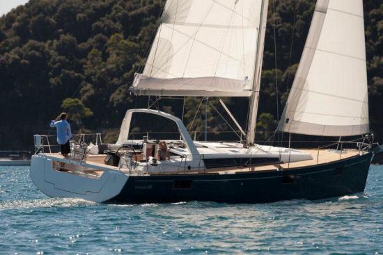 beneteau_oceanis48_sailing_2016.jpg