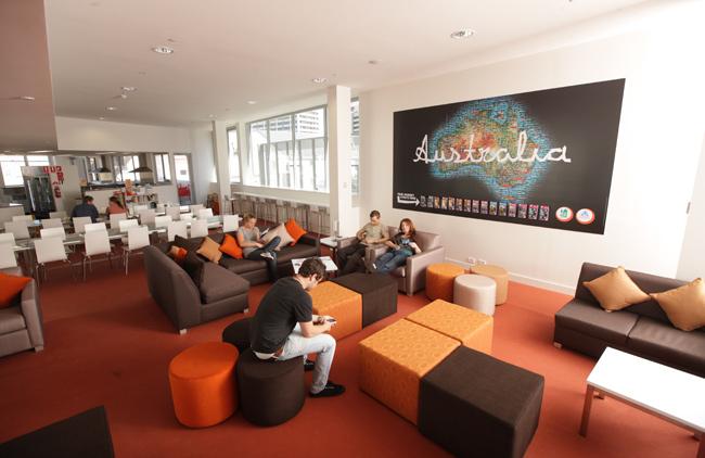 Sydney_Harbour_YHA_lounge.jpg
