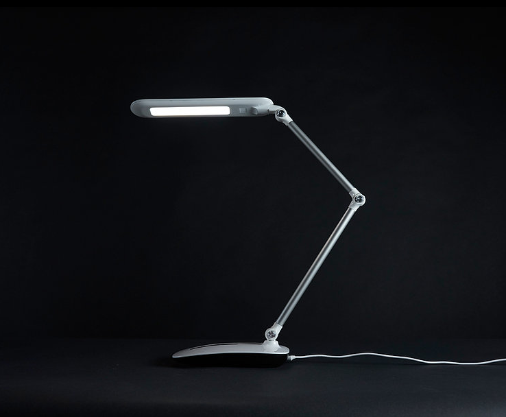 FireShot Capture 24 - OttLite WorkWell Series _ - https___www.ottliteworkwell.com_stretch-crane-lamp.png