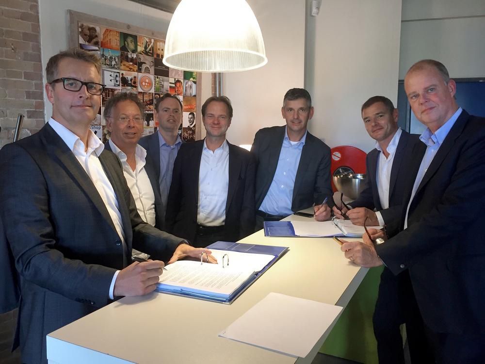 From left to right: Tom van Soest, Peter Roosjen, Jody Kunst, Paul Nielen, Dick Burger, Chris Schaefer and Maurits Teunissen.