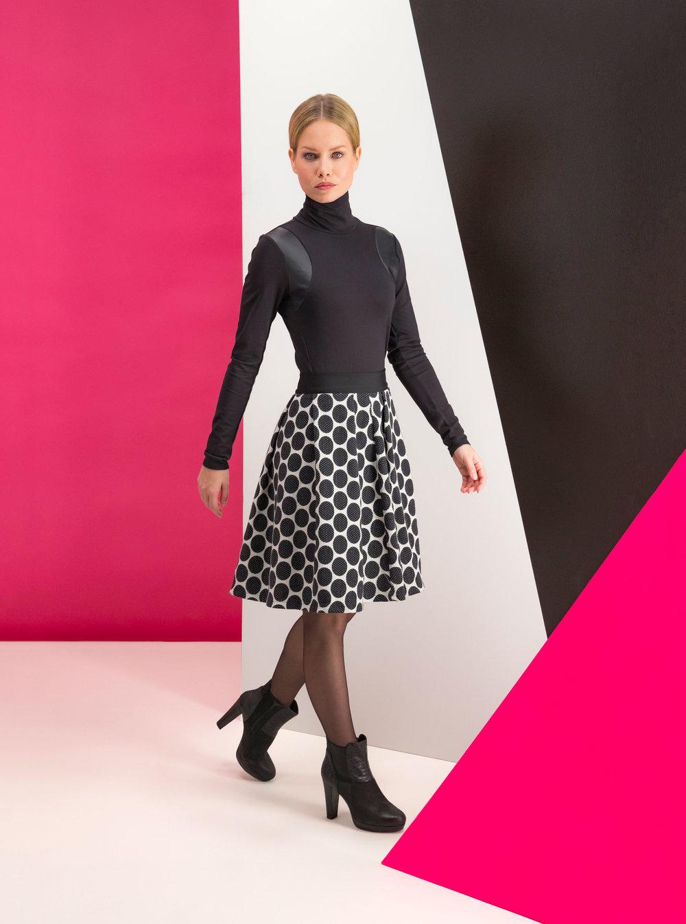 Marianne-black-outfit-pink-geometry-set-1.jpg