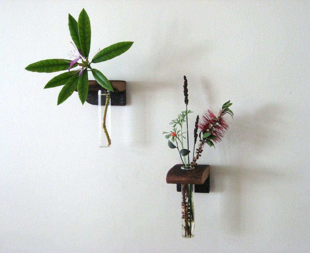 twoflowershelves.jpg