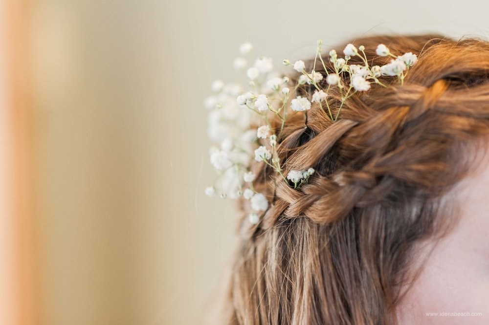 Romantic Winter Wedding Hairstyle