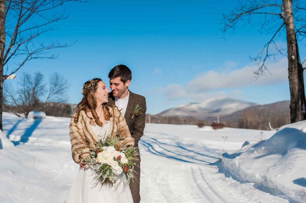 IdenaBeach-VermontWeddingPhotographer-MountainTopInn-50.jpg
