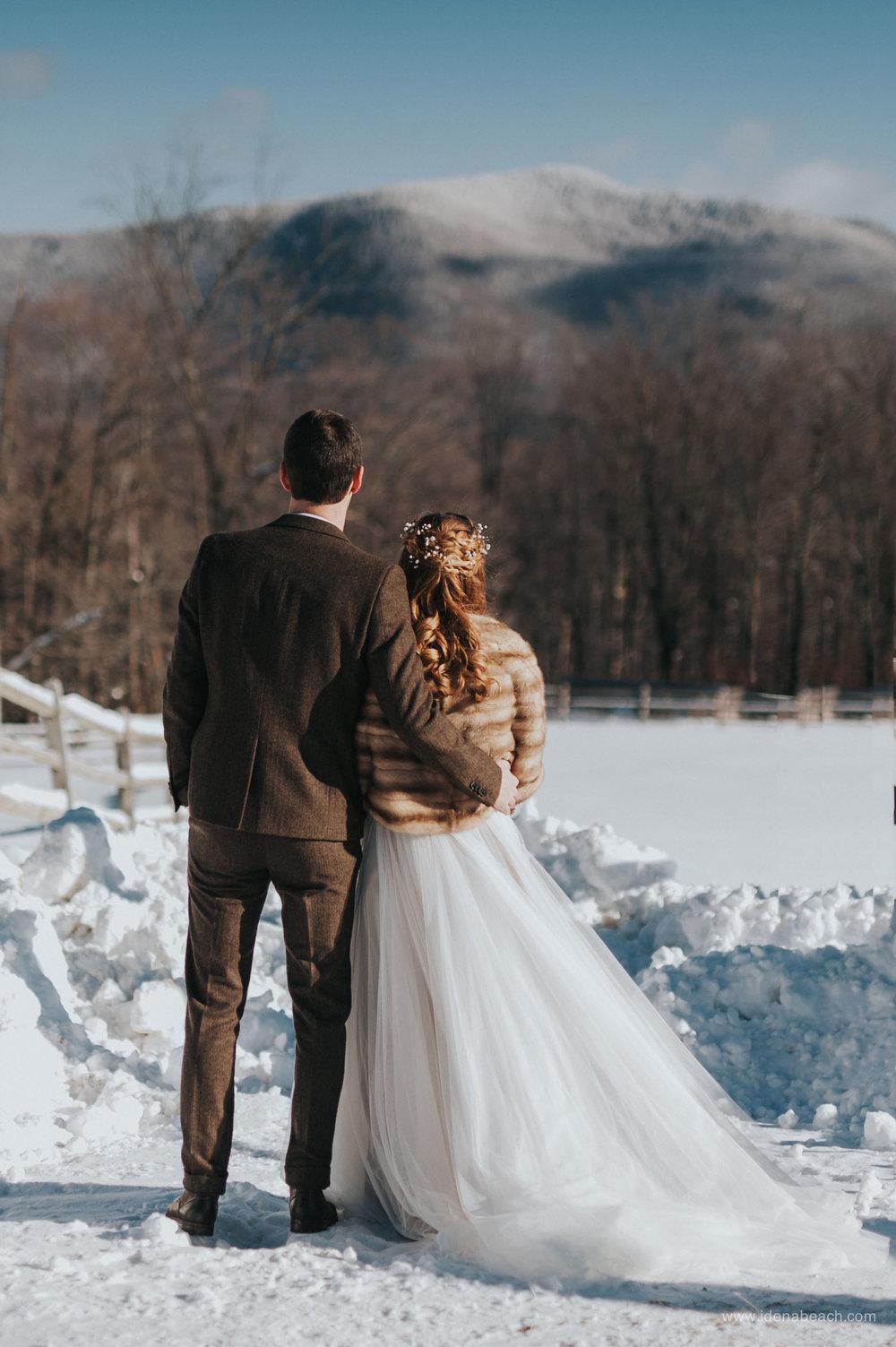 IdenaBeach-VermontWeddingPhotographer-MountainTopInn-59.jpg