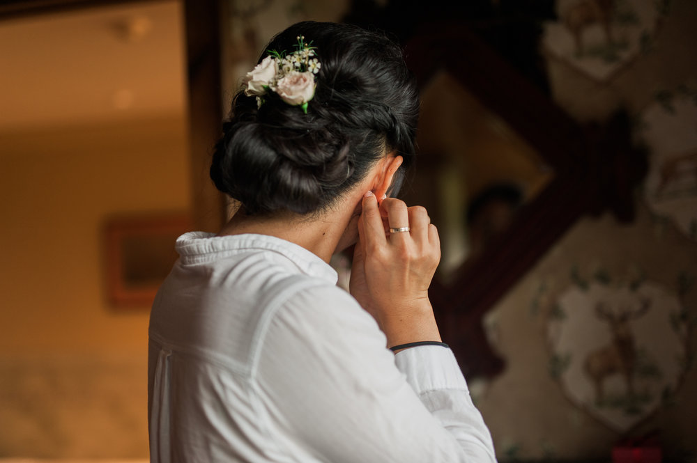 Bride getting ready in the suite at Mountain Top Inn