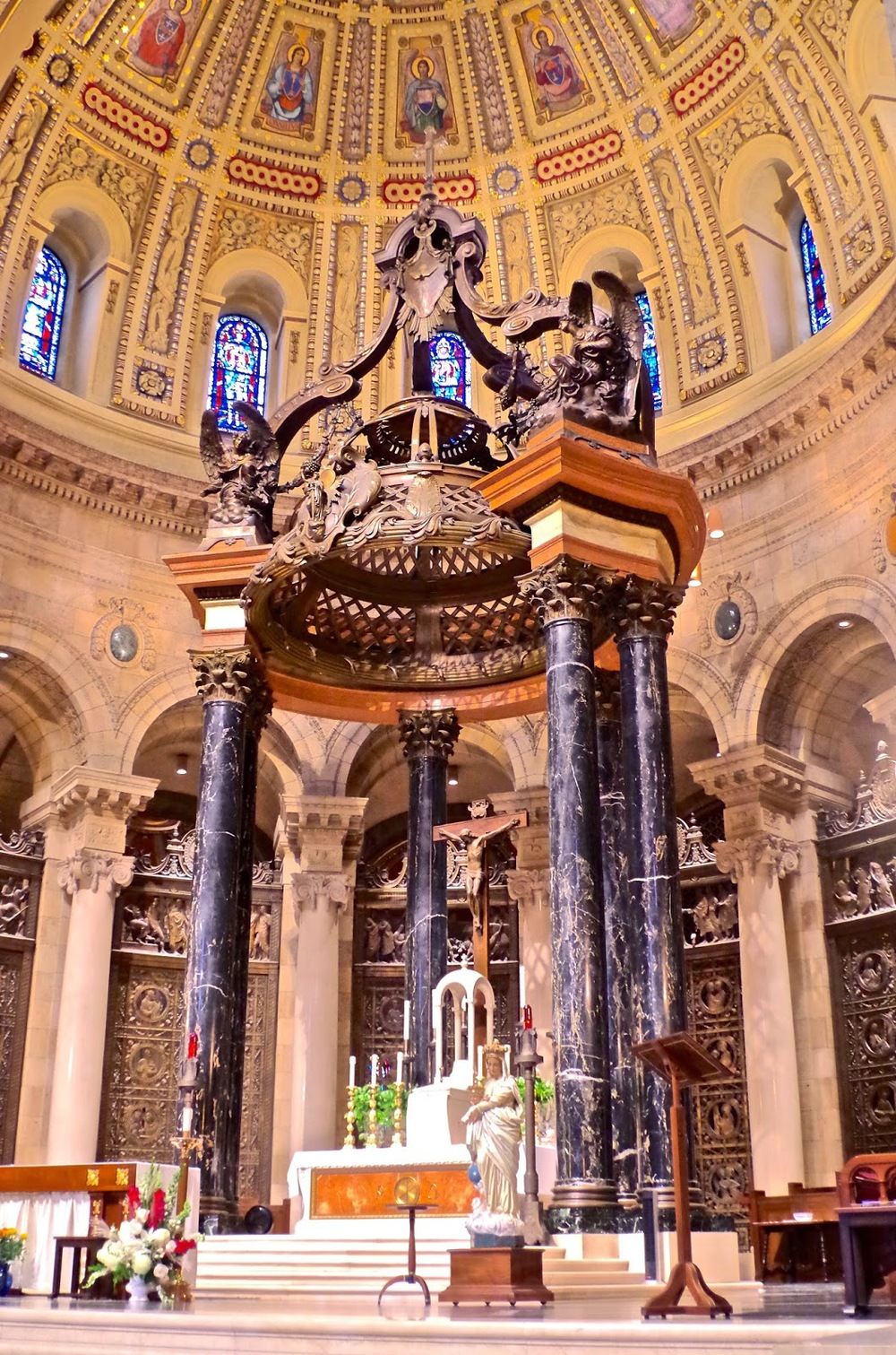 sanctuary-st-paul-cathedral.jpg