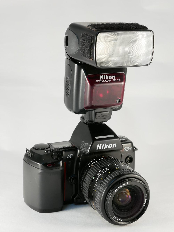 Nikon-N8008s