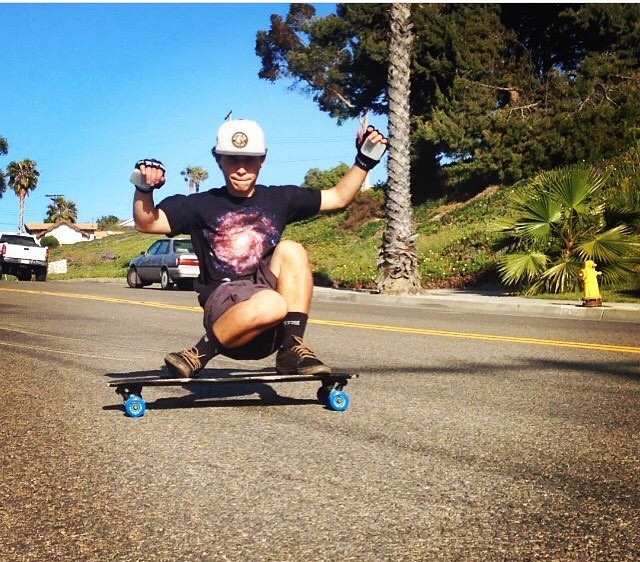 Have some fun with palisades longboards! Rider: @eddie_j_h #palisadeslongboards #freeride #skate