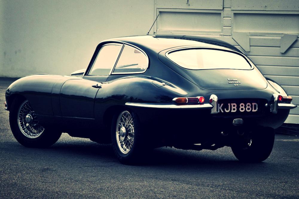 1961 Jaguar E-type © Chris Bull