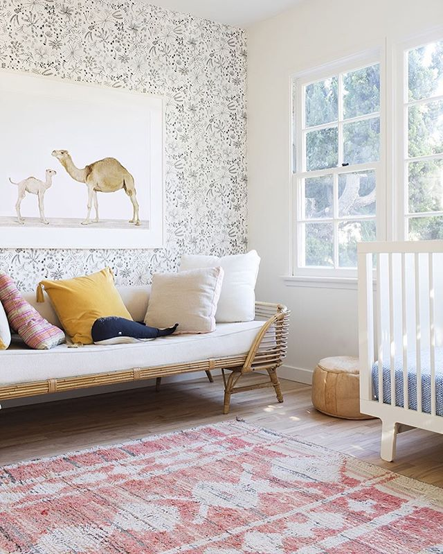 "Have you hopped over to the @new_minimalism blog lately? Check out @carytf 's most recent post about her first months of motherhood: ""Returning to Simple"". Happy Thursday everyone 😊  Photo by @theanimalprintshop — also a supplier of super adorable prints 🐘 🦒 🐧"