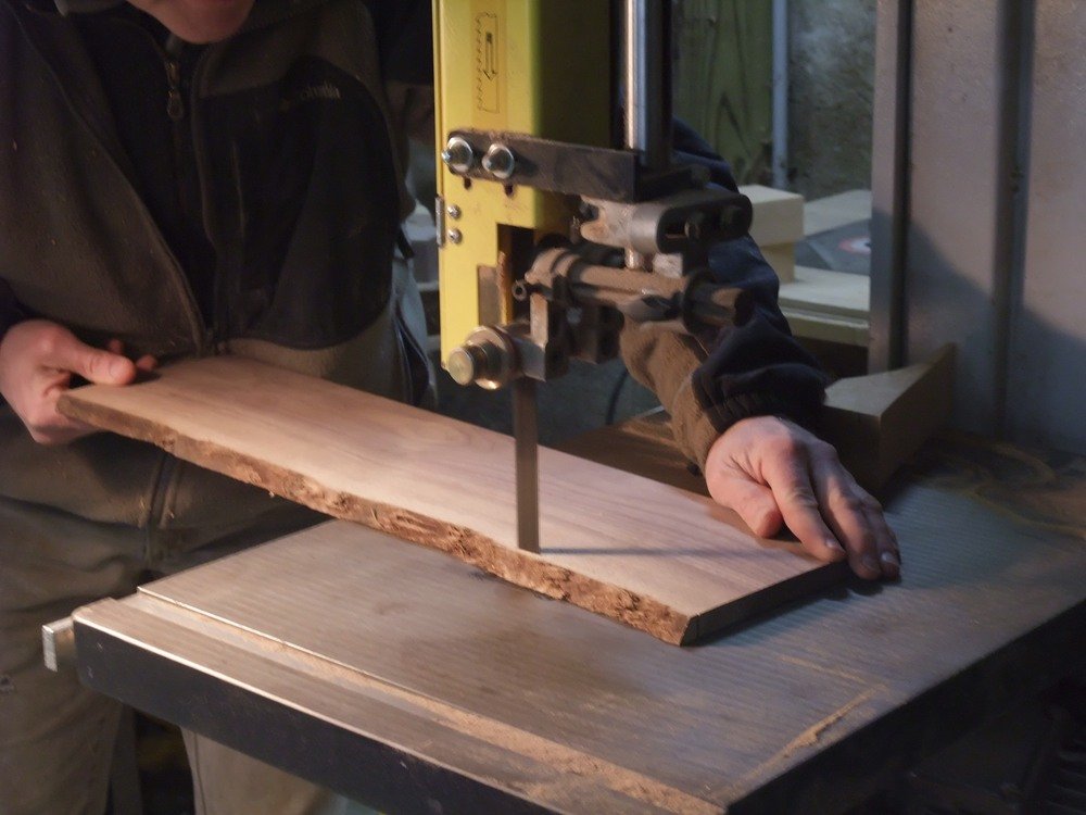 Cutting using a bandsaw