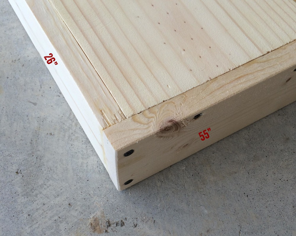 """A simple butt joint. NOTE: The 26"""" board goes on the INSIDE of the butt joint."""