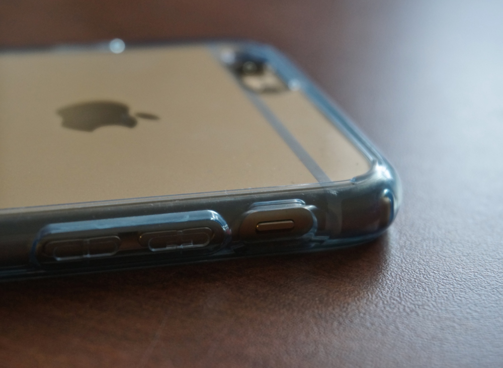 The small feet on the corners of the case help stop excessive scratches.