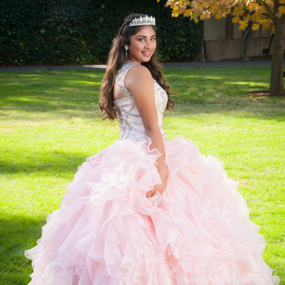 Quinceanera | Carlos Valentino Photography-05.jpg