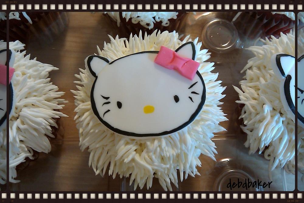 Hello Kitty Shag Cupcakes