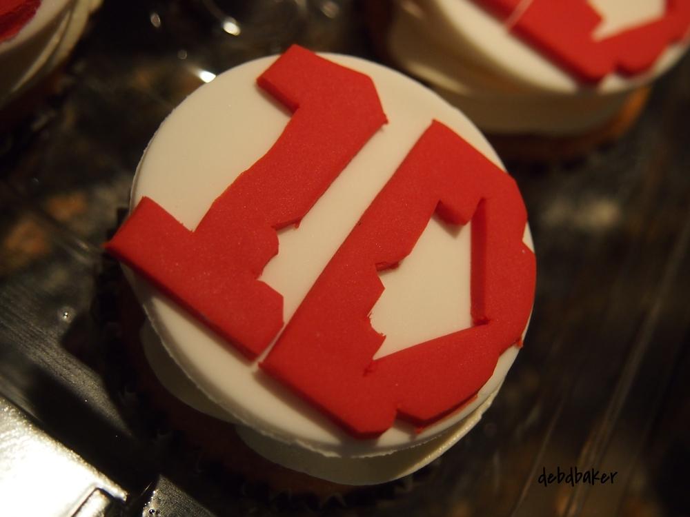 One Direction Logo Cupcake