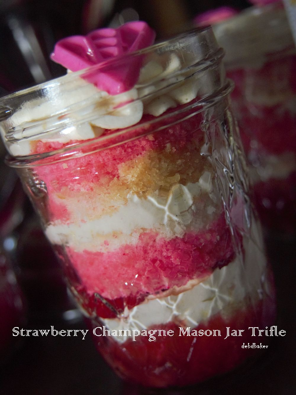 mason jar trifle.jpg