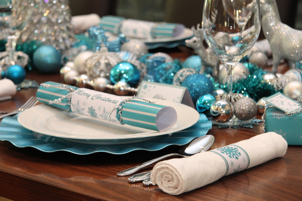 Christmas Table  Chic Blue and Silver Design — Chic Party  ~ 230157_Christmas Table Decoration Ideas Blue Silver