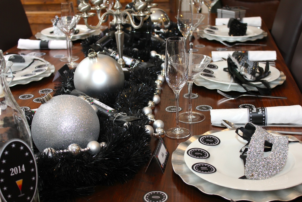 Superior Masquerade Dinner Party Ideas Part - 6: New Years Eve Dinner Setting