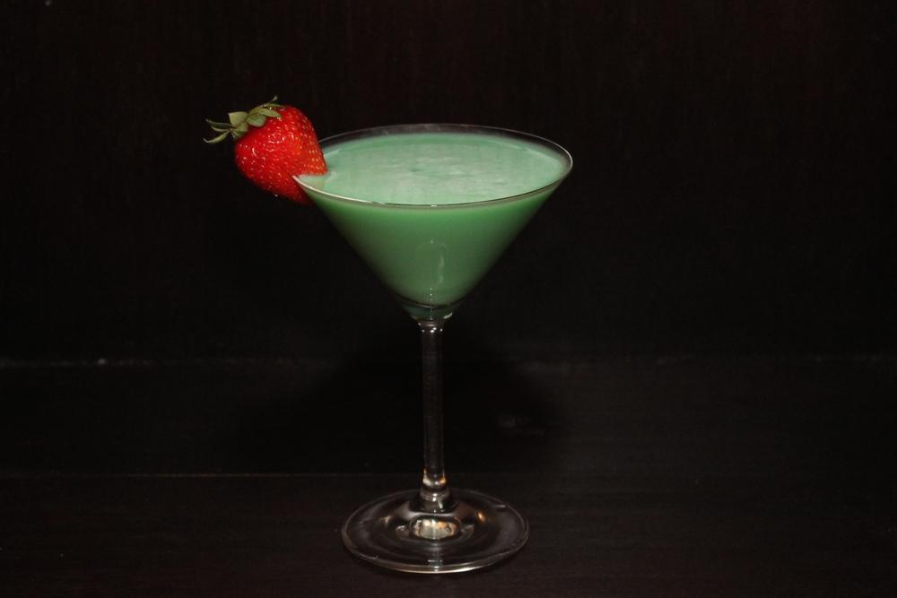 Saint Patrick's day cocktail - Grasshopper — Chic Party Ideas