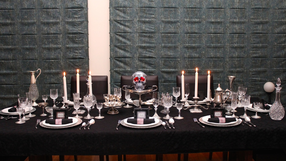 Gothic Party Table setting