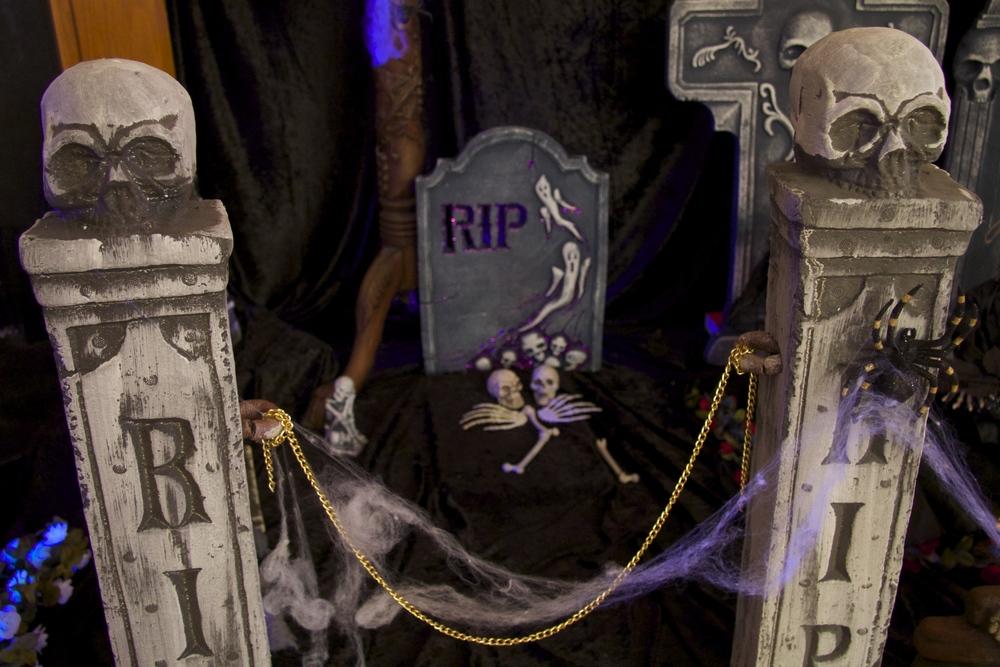 Halloween Indoor Graveyaard