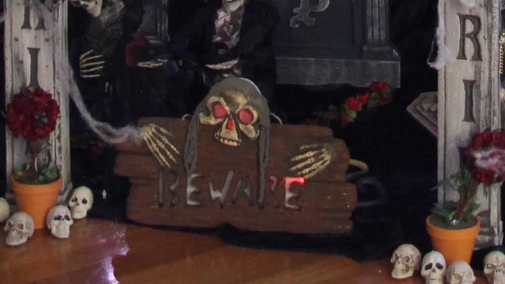 Halloween Indoor Graveyard Entrance