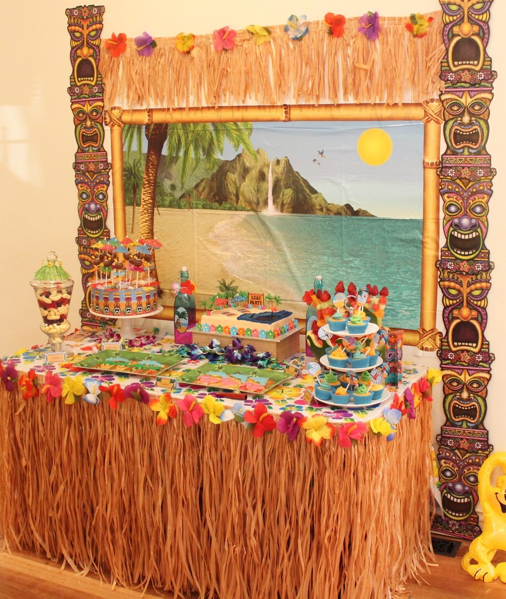 Hawaiian luau party with desert table and games chic for Hawaiin decorations