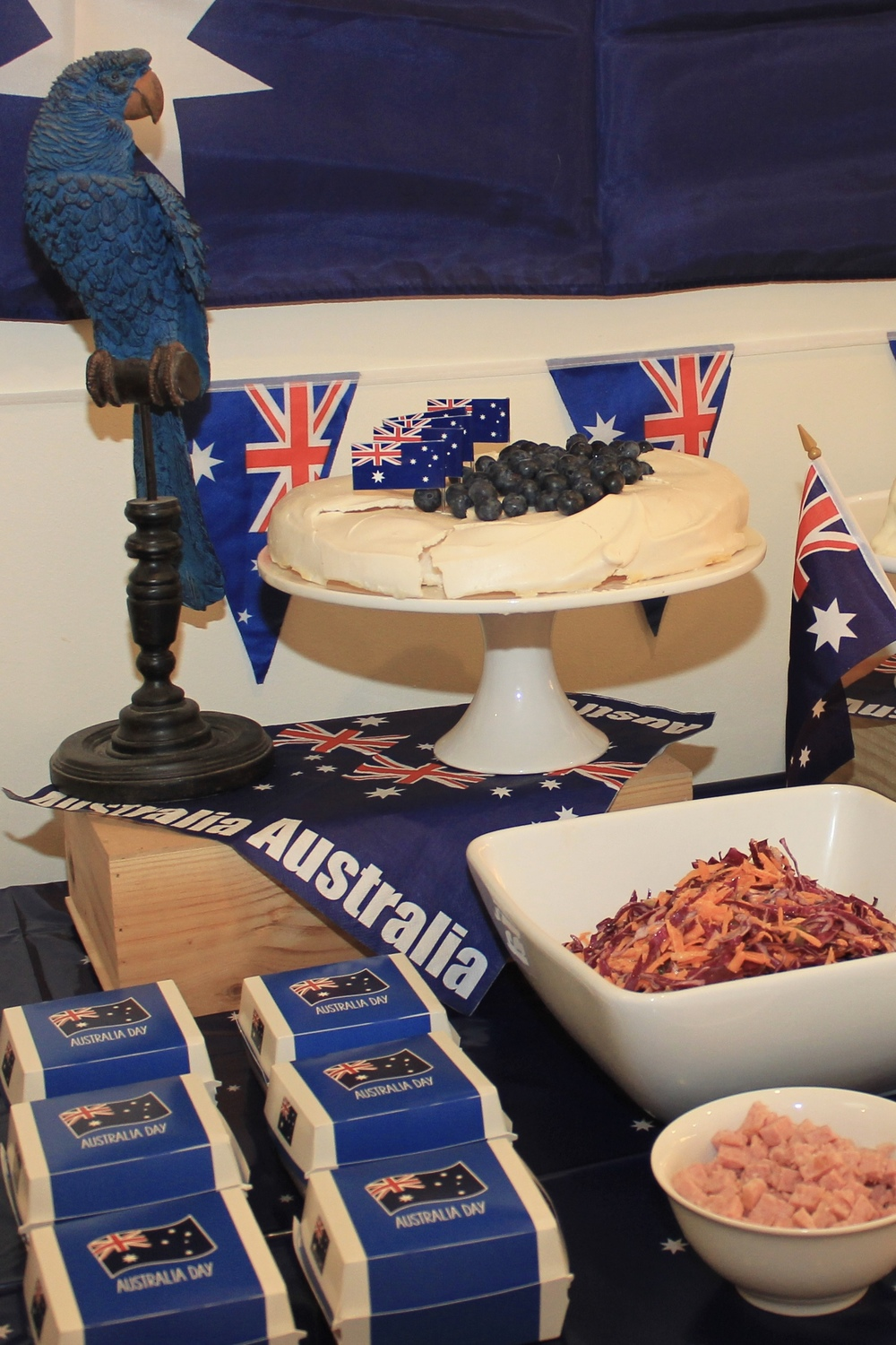 Australia day baked potato bar chic party ideas for Australia day decoration ideas