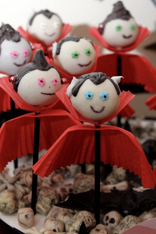 Vampire Cake Pops - Vampire Party