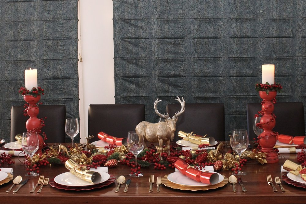Christmas Table Setting Red and Gold Design