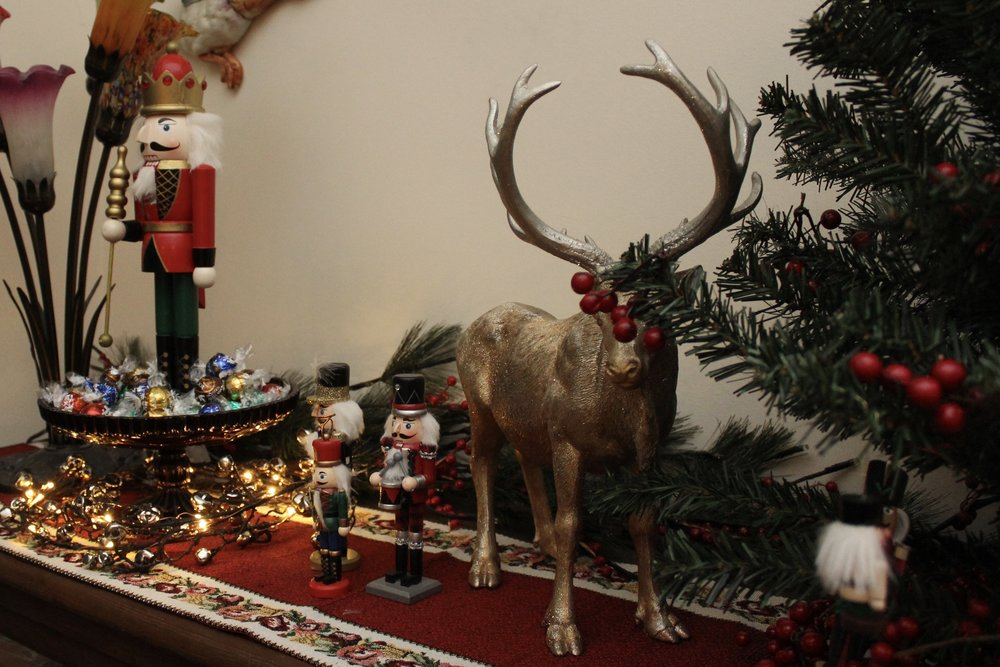 Christmas Sideboard Nutcracker decoration ideas