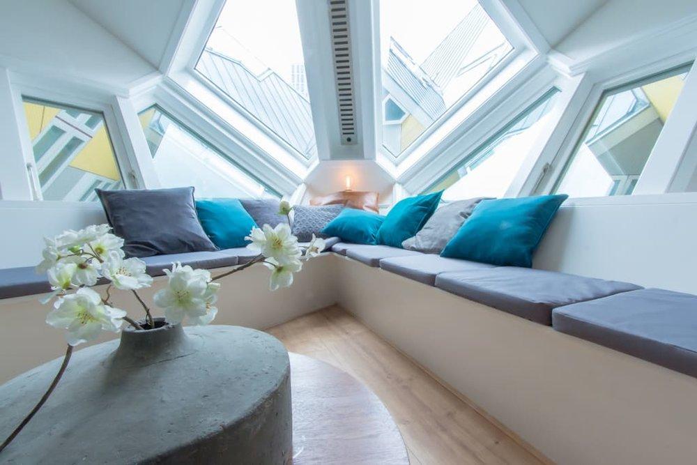 Für eine gelungene Einrichtung muss man sich auf ein Kubushaus einlassen können. Bildquelle: airbnb.com