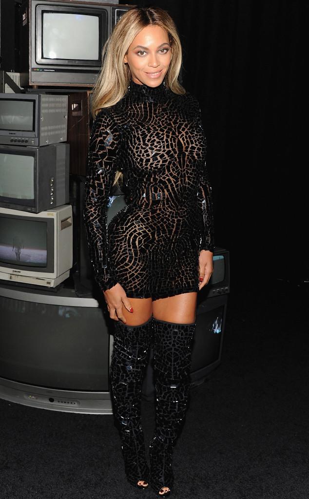rs_634x1024-131221170508-634.Beyonce-jmd-122113.jpg