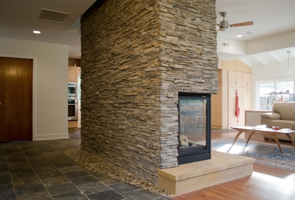 enterance fireplace.jpg