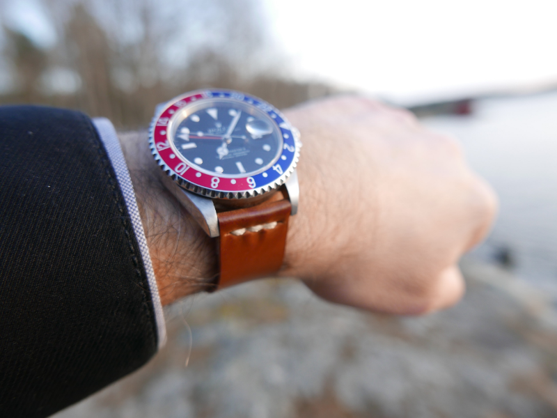 A beautiful GMT II on Whiskey two-piece with partial seam doubly sewn.