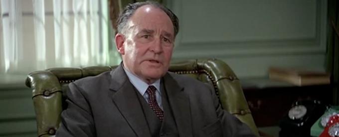 Geoffrey Keen as Sir Frederick Gray, the Minister of Defence.