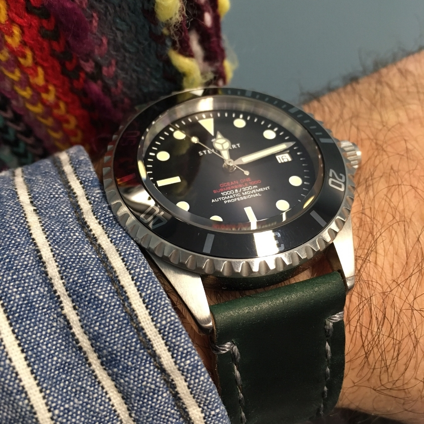 Gorgeous Steinhart Ocean One on Green shell with gray stitching.  Fantastic!