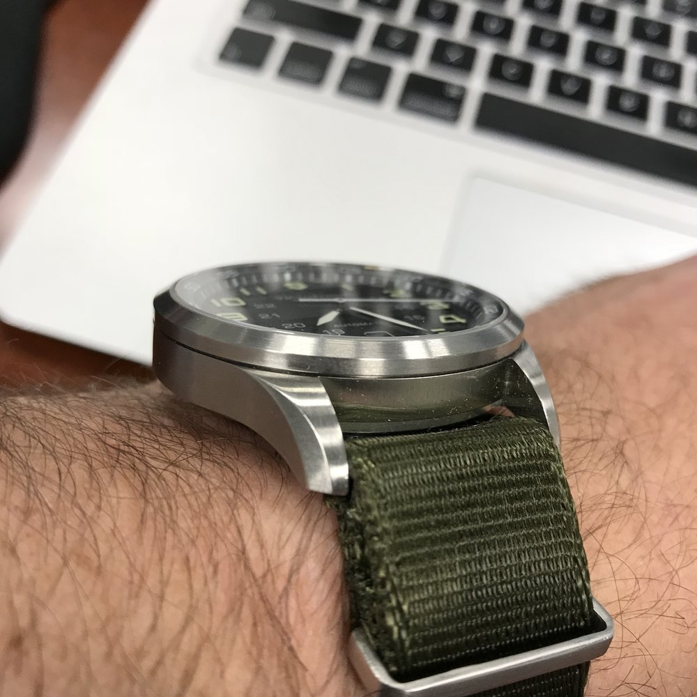 The AirBoss Mechanical worn on a nylon NATO-style strap.  Note how little the strap is displaced where it passes through the spring bars and under the case.