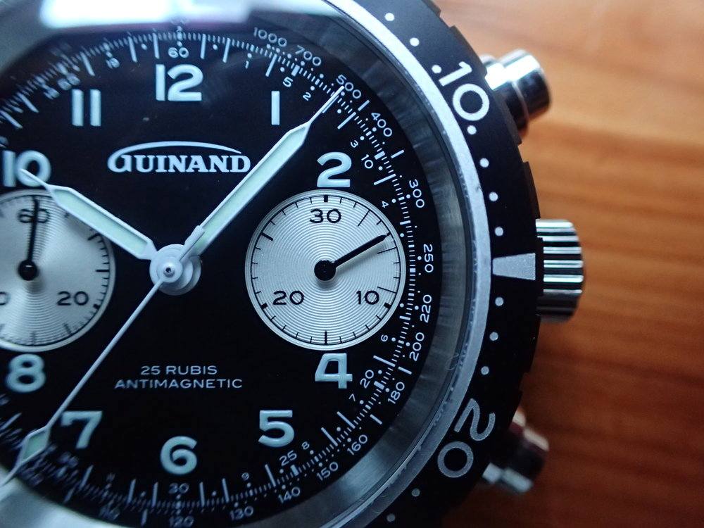 Bothered by dials with cut off numerals? I'm not, but the beautiful dial details of the Guinand Model 361 avoid it anyway. Note the lovely grooved registers.
