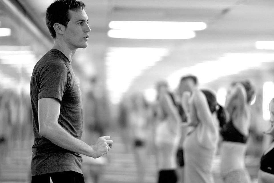 Wyatt Shutt  FundóHot Yoga Barranquilla en 2013 y lleva más de una década practicando esta disciplina. Se graduó como un profesor de Bikram Yoga en 2010 y ha estado enseñando desde entonces. Ganó el Concurso Nacional de Yoga Asanas en 2012 y representóNueva Zelanda dos veces en el concurso mundial. Dedica su tiempo a sus alumnos enseñando la práctica de Bikram Yoga en su estudio  y guía la Clase Avanzada de las 84 posturas los domingos.