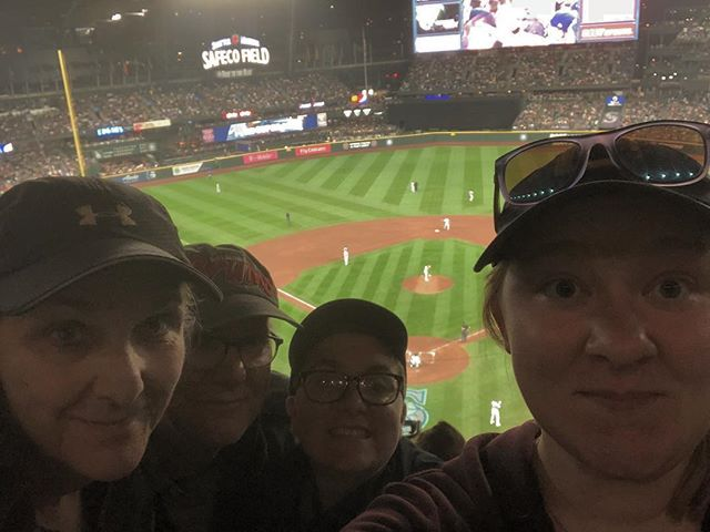 Great night for a @mariners game. Made it to MLB stadium 13/30 and this time brought the whole fam!