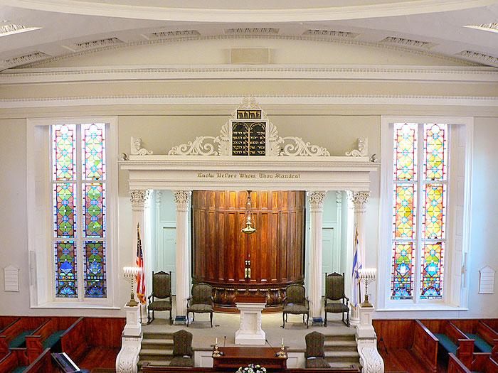 kkbe-altar-700x525.jpg
