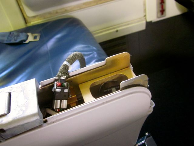 """2012 –€"""" Airlines (need help)"""