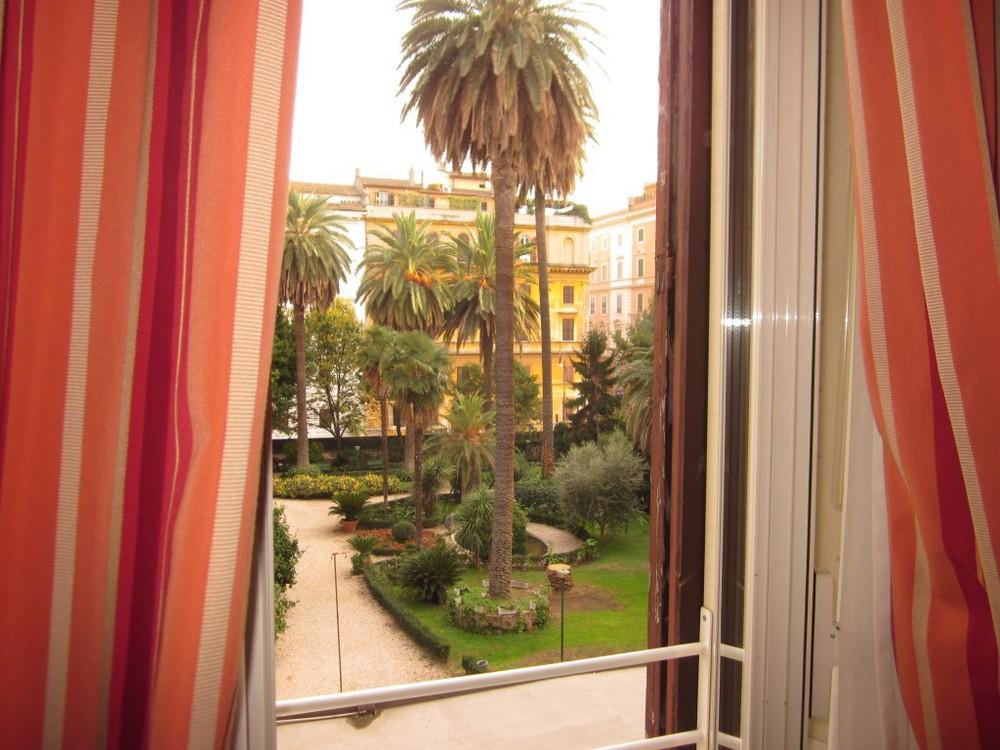 Capitolium Hotel Courtyard - Rome