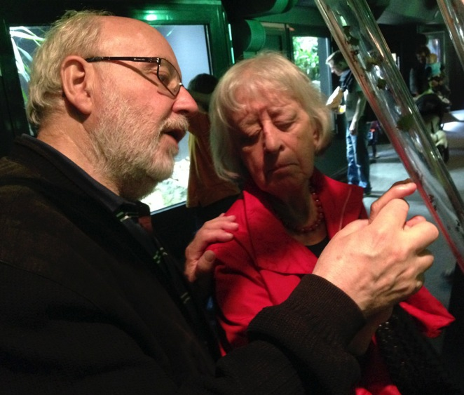 Hans describes an ant exhibit to Elisabeth.